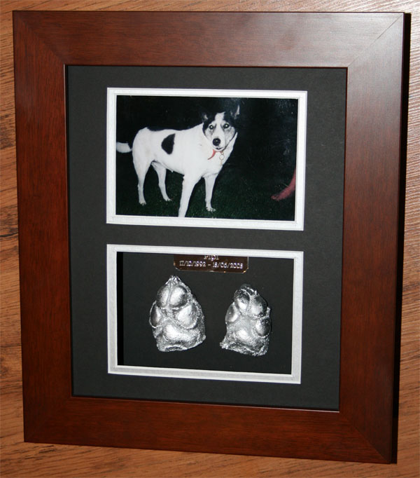 Paw Print Cast Memorial Hanging Frames : Pets At Peace
